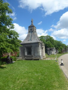 Plant Recording in West Norwood Cemetery